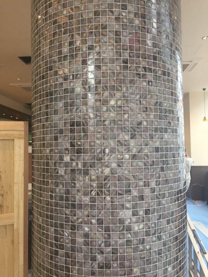 店舗壁・柱型タイル工事