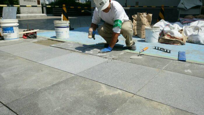 ビル床石修繕工事