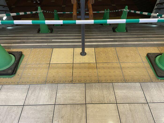 プロムナード階段タイル貼替え