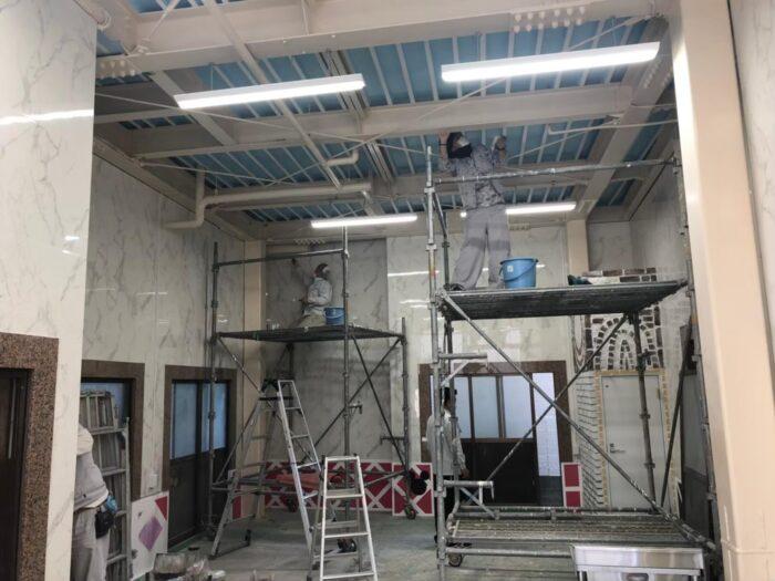 エムズ作業場 柱・天井塗装